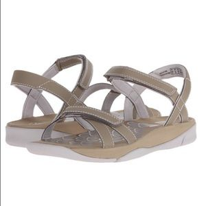 New Clarks Tresca Trace sandals